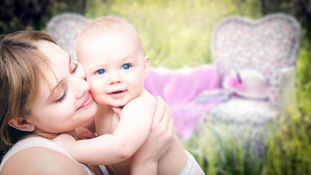 母と赤ちゃんのイメージ